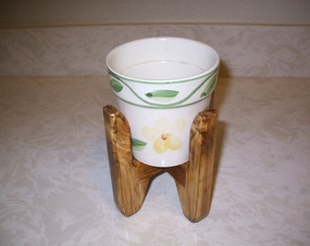 Indoor table top plant stand and pot