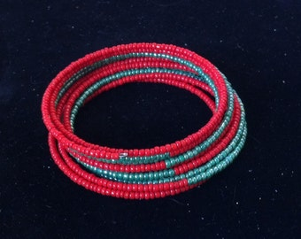 Red and Green Seed Bead Bracelet Memory Wire Bracelet, Seed Bead Bracelet, Holiday Bracelet, Christmas Bracelet