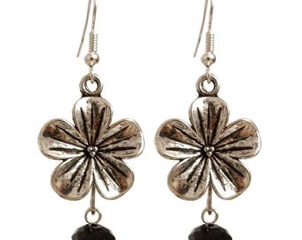 Silver flower and Pearl dangling earrings black faceted