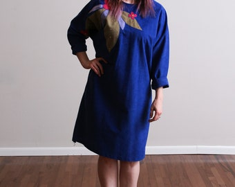 1980s Indigo Blue Velveteen Shift Midi Dress - Batwing - Floral Applique - Hair Band - Floral • L