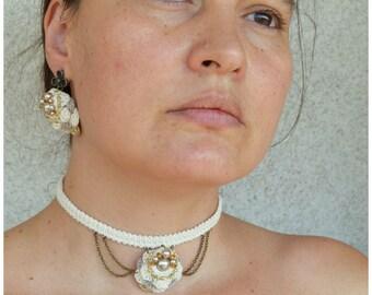 dainty choker, victorian choker, beige choker necklace, mori girl necklace, game of thrones, ivory crochet choker, neutral pendant necklace