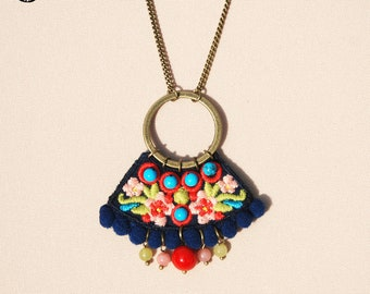 Embroidered necklace Sara, bohemian spirit