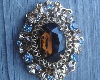 Regency Jewelry  Pendant Rhinestone Brooch Vintage Signed Gold Tone 02085