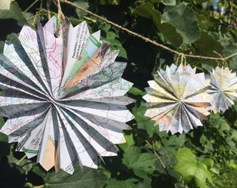 Map Rosette Garland-8 ft-Pinwheel-Wedding Decor-Travel Decor-Wedding Garland-Book Garland-Literary Wedding-Baby Shower Garland