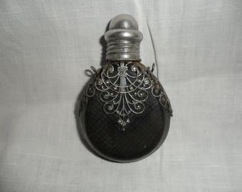 Silver snuff bottle, perfume bottle. Silver Snuff Bottle Florentine Art 800, fine art 800, silver, glass, handmade leather.