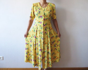 Vintage 80s Yellow Floral Print Wrinkle Dress Button up Short Sleeve Tied at the back Shoulder Pads Summer Maxi Dress Plus Size Large
