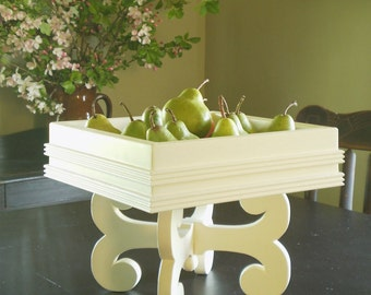 Classic table centerpiece / fruit bowl / display