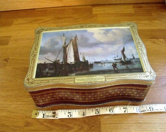 Biscuit Tin. Dutch vessels close in shore at low tide. Willem Van De Velde