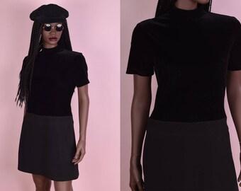 90s Black Velvet Mock Neck Dress/ US 8/ 1990s/ Short Sleeve