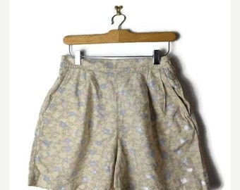 ON SALE Vintage Pale Floral High waist Cotton Flare Shorts from 90's/W26-30