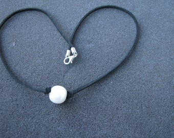 Freshwater Pearl Choker, Pearl Choker Necklace, [Girl,Woman and Chic choker] , black suede Cord Necklace,Single Pearl choker