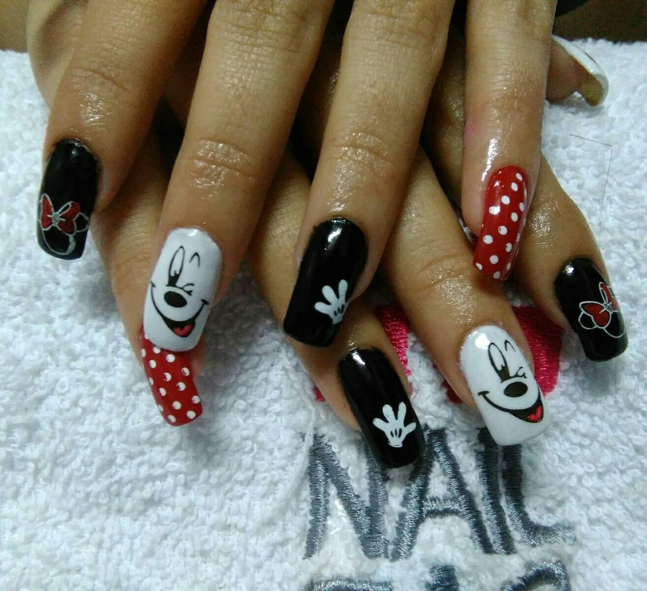DIY nail art minnie mickey mouse disney caricaturas stamping plates ...