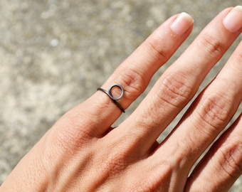 Black Wire Dot Ring Full Circle Ring, Above Knuckle Ring Pinky Jewelry Handmade