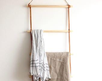 Leder und Holz Decke Leiter / / pflanzlich gegerbtem Leder und Holz Decke Schal Handtuchhalter