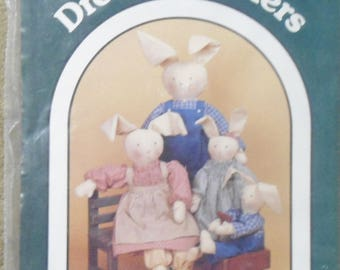Vintage Dream Spinners #120 Country Clover Patterns For 3 Size Rabbits & Clothes NEW