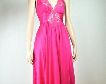 Vintage OLGA Nylon Full Sweep Peignoir / Olga Hot Pink Nylon Spandex Nightgown / Vintage Lingerie / Vintage Nightgown / OLGA Nightgown