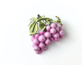 Wine gift, Coro brooch, purple brooch, grape brooch, purple jewelry, vintage brooch, lavender brooch, Coro pin, fruit pin, wine lover gift