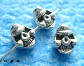 20 Tibetan Silver Solid Skull Head Spacer Beads 8mm