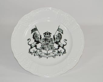 Angelique 12'' white dinner plate (shown with image #i93, royal crest lions)