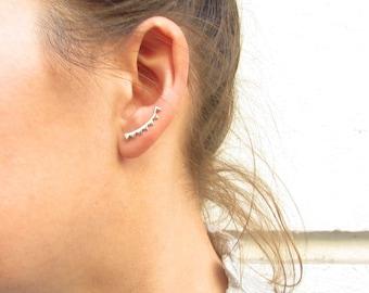 Minimalist climber, ear crawler, triangle ear climber, ear climber, geometric earrings, ear climber earrings, dainty earrings, Silver 925
