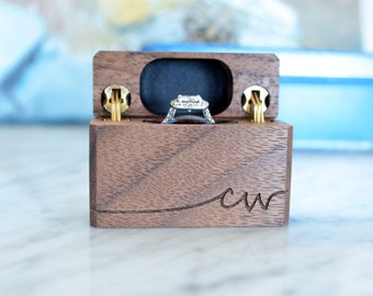Personalized Initials / Word - Slim Engagement Ring Box - Swoop Letters - Wanderweg Shop