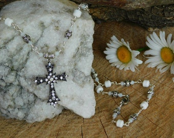 Howlite necklace with cross