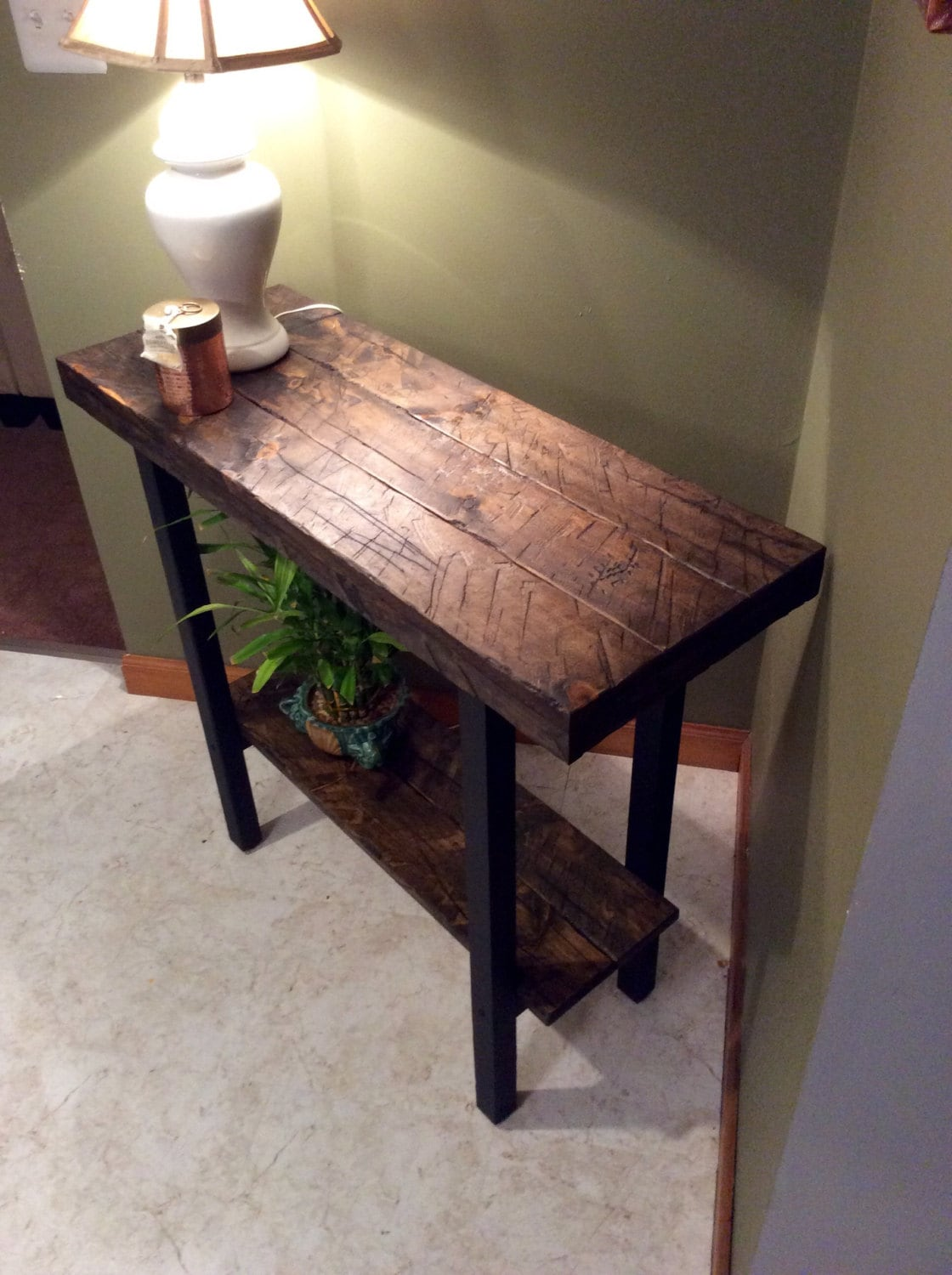 zoom - Foyer Table