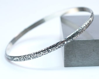 Sterling Silver Bangle Floral Bracelet / Handmade Stackable Bangle Bracelet / Silver Stacking Bracelet / Silver Bracelet