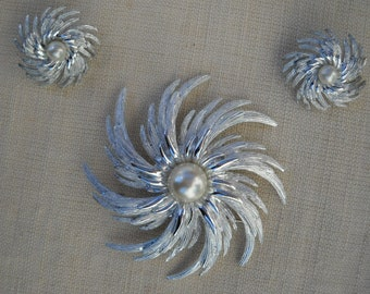 Beautiful set, brooch and earrings, SARAH COVENTRY 60's