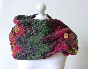 chunky knitted cowl, knitted scarf, knitted snood, knit neckwarmer, buttoned cowl, adjustable cowl, chunky scarf