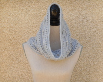 Snood gray bead crochet