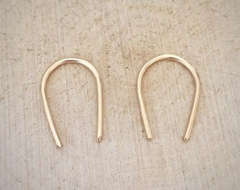 Minimalist Curve Earrings