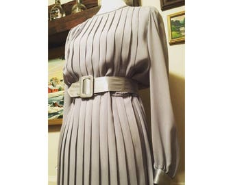 1970's pleated dress. Silver and grey. Belted.