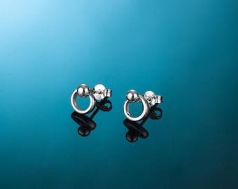 Silver earrings AINE116A. Light silver earrings.