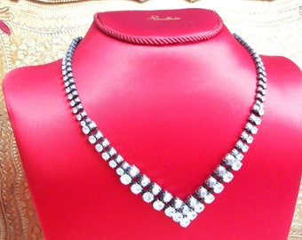 Rhinestone necklace silver plated Vintage metal jewelry / shimmering cristal necklace