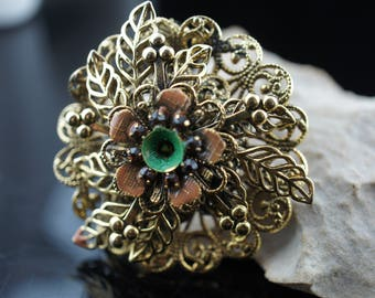 Art Deco Jewelry Brooch Vintage gold tone flower leaves  Pin cz brown stones  cc151