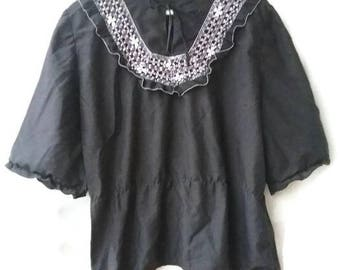 Vintage 70s TOP embroidered black ethnic  hippie Boho top size m medium