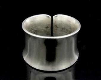 KY-007 thai karen hill tribe handmade silver plain wide ring