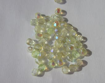 50 faceted Czech glass beads mix of yellow 4mm (PV23-71)