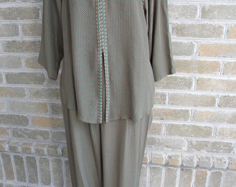 Size S/M Vintage Pantsuit / Dorothy Schoelen Platinum / Made in USA of German Fabric / Boho Pantsuit / Loose Pants and Tunic Set / Size S/M