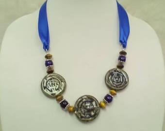 Green bead ribbon necklace