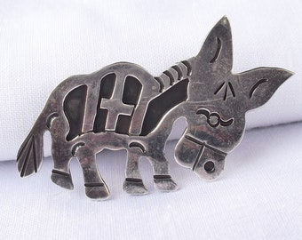 Vintage Mexico Donkey Brooch in Sterling Silver, Hallmarked 925 with Eagle Stamp