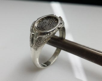 Memorial fingerprint ring. Fingerprint jewelry.