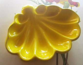 Vintage Yellow Shell Pottery * 1960's California Pottery *