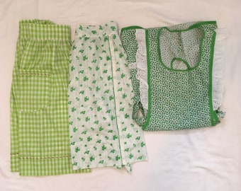 Vintage Retro Kitchen Aprons, Green Lot of 3, Gingham, Flowers, Holly, Handmade Aprons, Vintage Linens