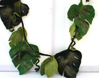 Jungle garland felted for the children's room