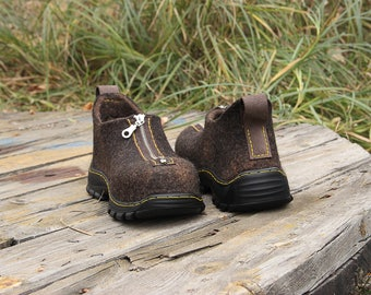 All-seasons outdoor unisex shoes with zipper, wool felted custom boots, women's snow, felt, shoes, slipon, felting, walking, hiking, rain