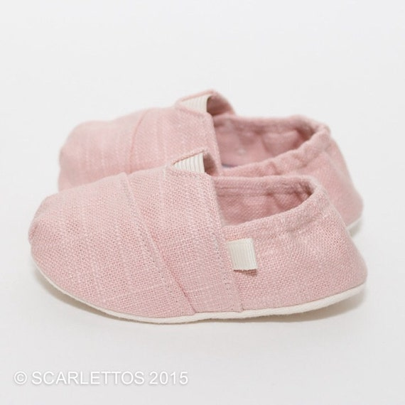 When Can Babies Wear Crib Shoes