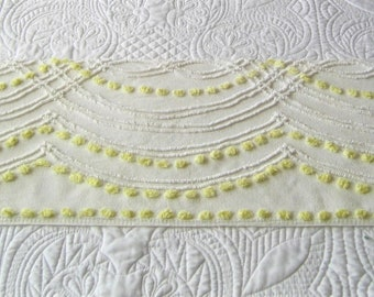 """Creamy White Cabin Crafts Needle Tufted Swags and Yellow Pops Vintage Chenille Bedspread Fabric 39"""" x 12.5"""""""