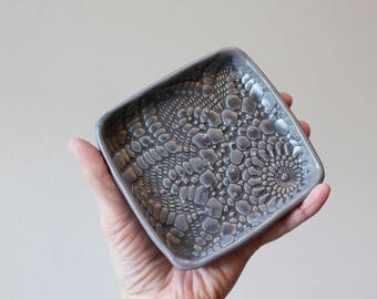 Garlic and Oil Plate - Garlic or Ginger Grater - Lace - Charcoal Gray